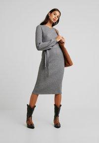 Vero Moda - VMSVEA - Jumper dress - medium grey melange - 1