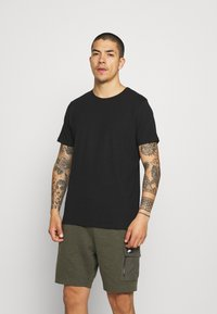 Matinique - JERMANE 3 PACK - Basic T-shirt - black/grey/olive - 4