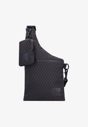 KAMBAT - Across body bag - black