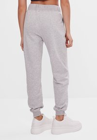 Bershka - Verryttelyhousut - light grey - 2