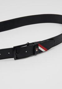 Tommy Hilfiger - DENTON STRIPE - Belt - black - 4