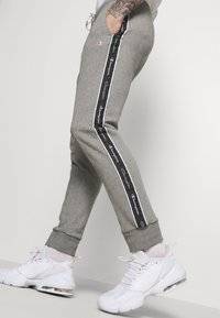 Champion - CUFF PANTS - Spodnie treningowe - grey - 3