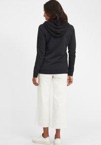 Oxmo - MATILDA - Zip-up hoodie - black - 5