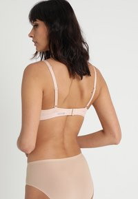 Chantelle - ABSOLUTE INVISIBLE - Push up -rintaliivit - beige doré - 2