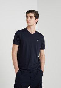 Emporio Armani - 2 PACK - T-shirt basique - dark blue - 1