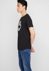 Timberland - TREE LOGO TEE - T-shirt print - black - 3