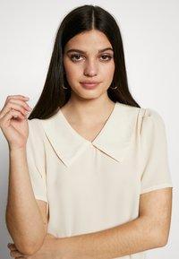 Vero Moda - VMMILA - T-shirt basique - birch - 3