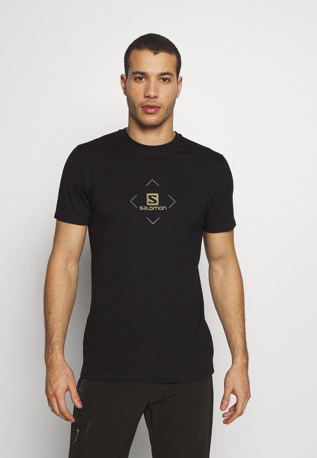 LOGO TEE - Print T-shirt - black/ebony/martini olive
