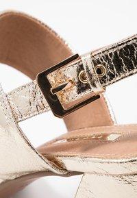 Topshop Wide Fit - WIDE FIT SABRINA BLOCK HEEL - Sandals - gold - 2