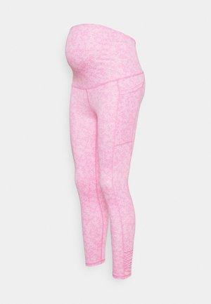 MATERNITY LOVE YOU A LATTE - Punčochy - tonal pinks