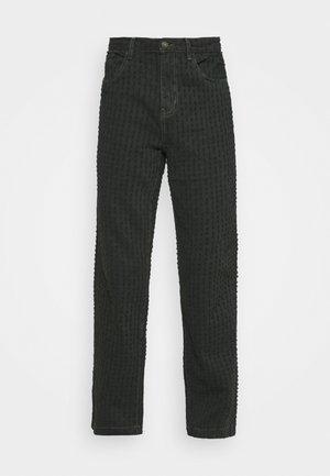 PULLED SKATE - Džíny Straight Fit - khaki
