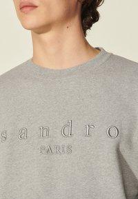 sandro - CREW  - Sweatshirt - gris chiné - 4