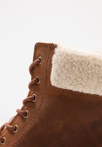 Clarks - ORINOCO DUSK - Lace-up ankle boots - tan - 2