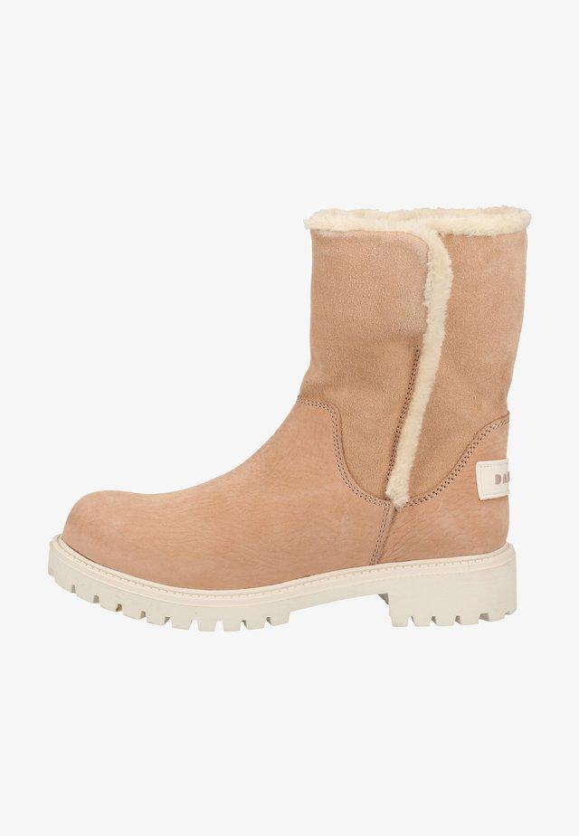Winter boots - powder pink
