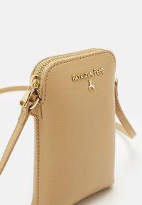 Patrizia Pepe - BORSA - Across body bag - pompei beige - 3