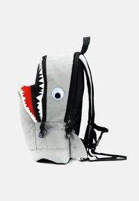 pick & PACK - SHARK - Rucksack - grau - 6