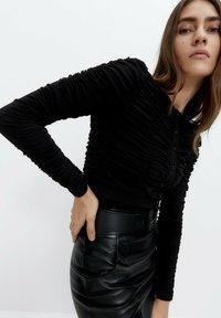 Uterqüe - Long sleeved top - black - 3