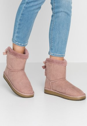 MOLLY - Classic ankle boots - blush