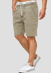 INDICODE JEANS - Shorts - beige - 0