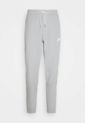 MODERN  - Tracksuit bottoms - light smoke grey