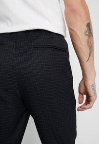 New Look - CROP GRID COX - Pantalones - navy - 3