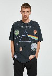 PULL&BEAR - Print T-shirt - black - 0