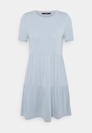 VMFILLI CALIA DRESS - Žerzejové šaty - blue fog