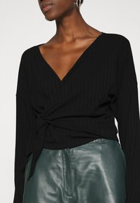 Nly by Nelly - LUXURIOUS WRAP - Top s dlouhým rukávem - black - 4