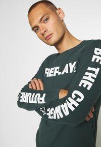 Replay - Maglietta a manica lunga - bottle green - 4