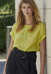 PEPPERCORN - FENG  - Blouse - safety yellow - 4