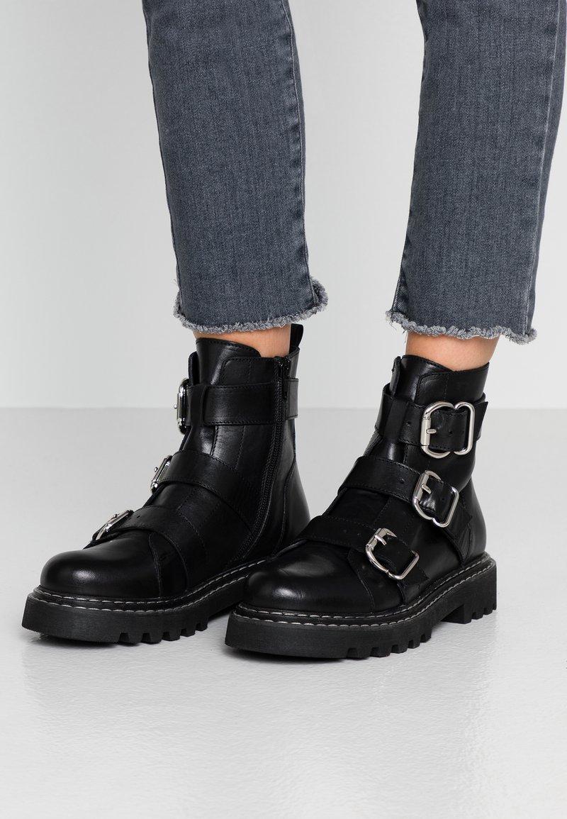 Even&Odd - LEATHER PLATFORM BOOTIE - Cowboystøvletter - black