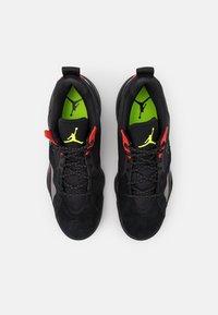 Jordan - ZOOM '92 - Sneakers high - black/volt/chile red/smoke grey - 5