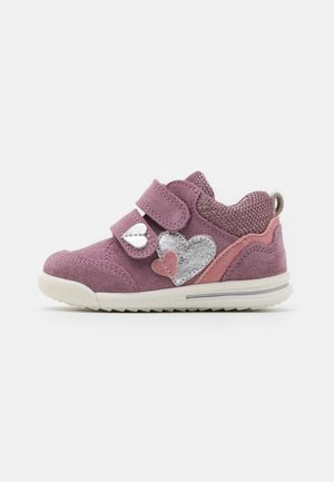 AVRILE MINI - Zapatos con cierre adhesivo - lila/rosa