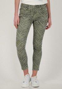 Monari - Slim fit jeans - dusty green gemustert - 0