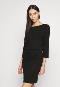 Noisy May Tall - NMHALLEY 3/4 O-NECK DRESS TALL - Neulemekko - black - 0