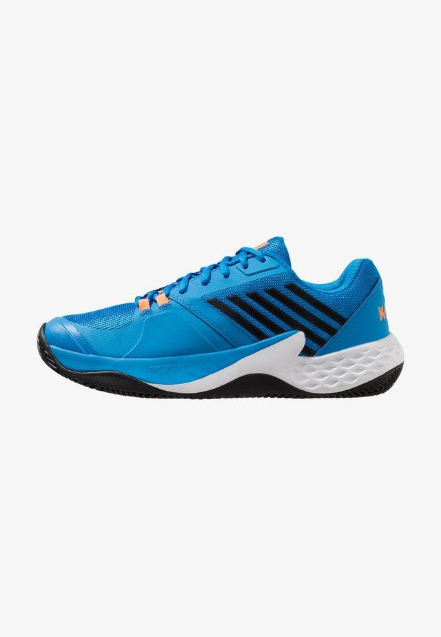 AERO COURT HB - Clay court tennis shoes - brilliant blue/neon orange