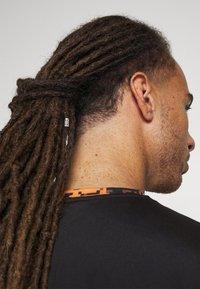 Ellesse - FASTELLO - T-shirt imprimé - orange - 6