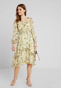 Keepsake - LUSCIOUS DRESS - Occasion wear - lemon - 2