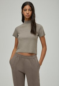 PULL&BEAR - Basic T-shirt - brown - 0