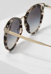 Prada - Solglasögon - brown - 2