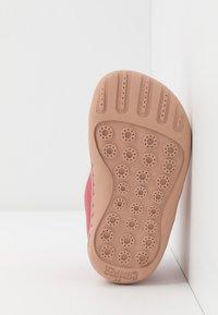 Camper - PEU CAMI - Kotníkové boty - medium pink - 5
