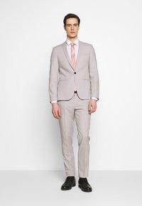 Viggo - NEW GOTHENBURG SUIT - Suit - silver grey - 1