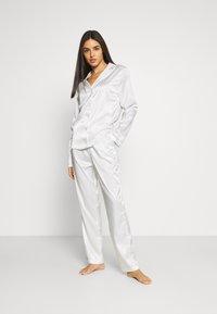 OW Intimates - SKYE PANT AND SHIRT SET - Pyjama set - white - 1
