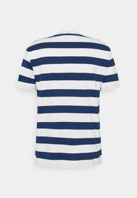 Marc O'Polo DENIM - SHORT SLEEVE BLOCK STRIPE - Print T-shirt - multi/estate blue - 1