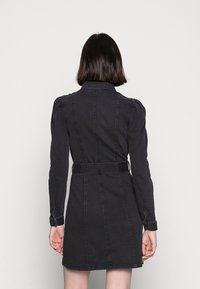 Vero Moda - VMMAGGIE SHORT DRESS - Denim dress - black - 2