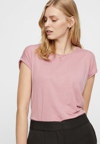 Vero Moda - VMAVA PLAIN - Basic T-shirt - pink - 3