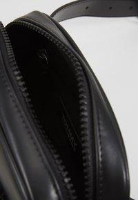 Tommy Jeans - NEW GEN BUMBAG - Rumpetaske - black - 5