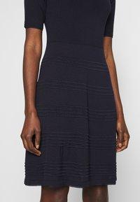 M Missoni - DRESS - Strikket kjole - dark blue - 5