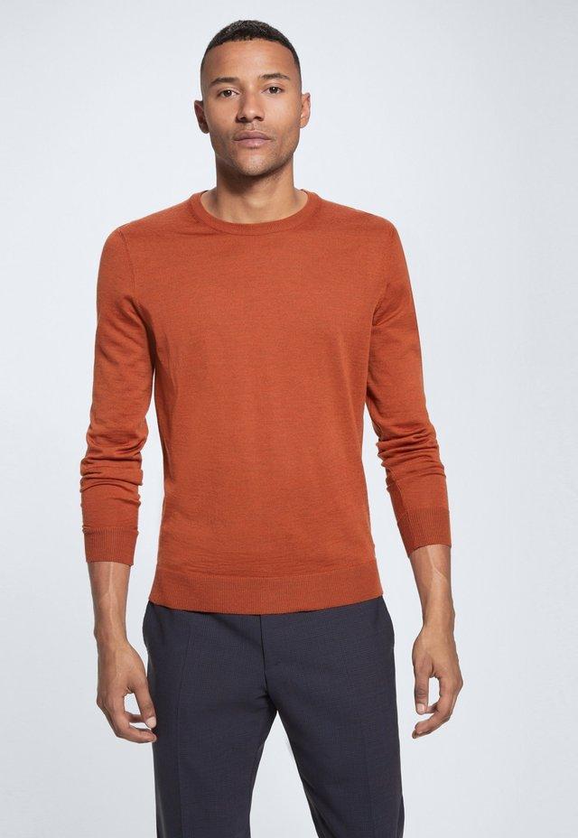 MARTIN - Jumper - bright orange