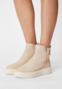 Tamaris - Platform ankle boots - antelope - 0